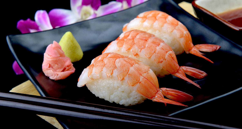 Sushi Wein Shrimp auf Reisrolle)